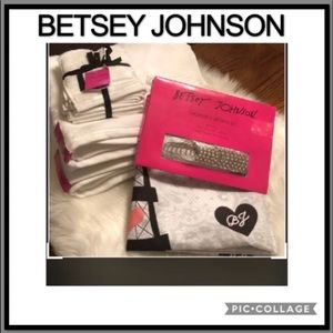 BETSEY JOHNSON TOWELS AND SHOWER CURTAIN bundle